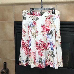 WHITE HOUSE BLACK MARKET Floral Skirt   Size 10